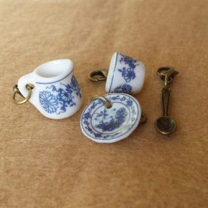 Delft china tea set stitch markers